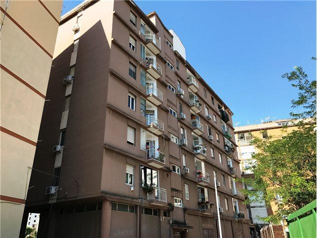 Apartment in Via Niccolò Paganini, Palermo, Sicily