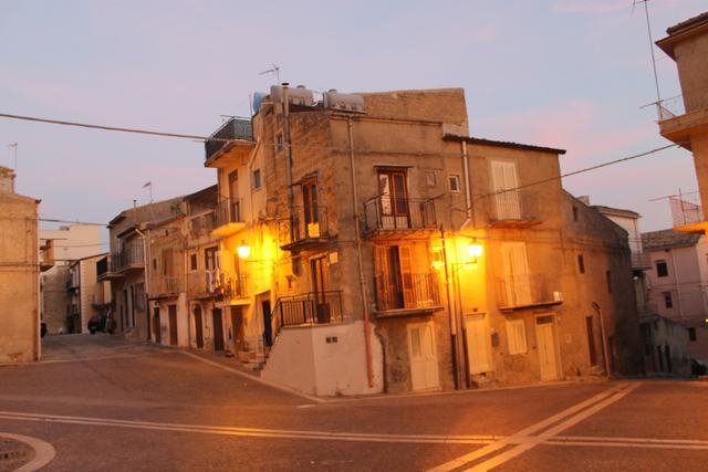 Townhouse requiring updating, Cianciana, Agrigento, Sicily