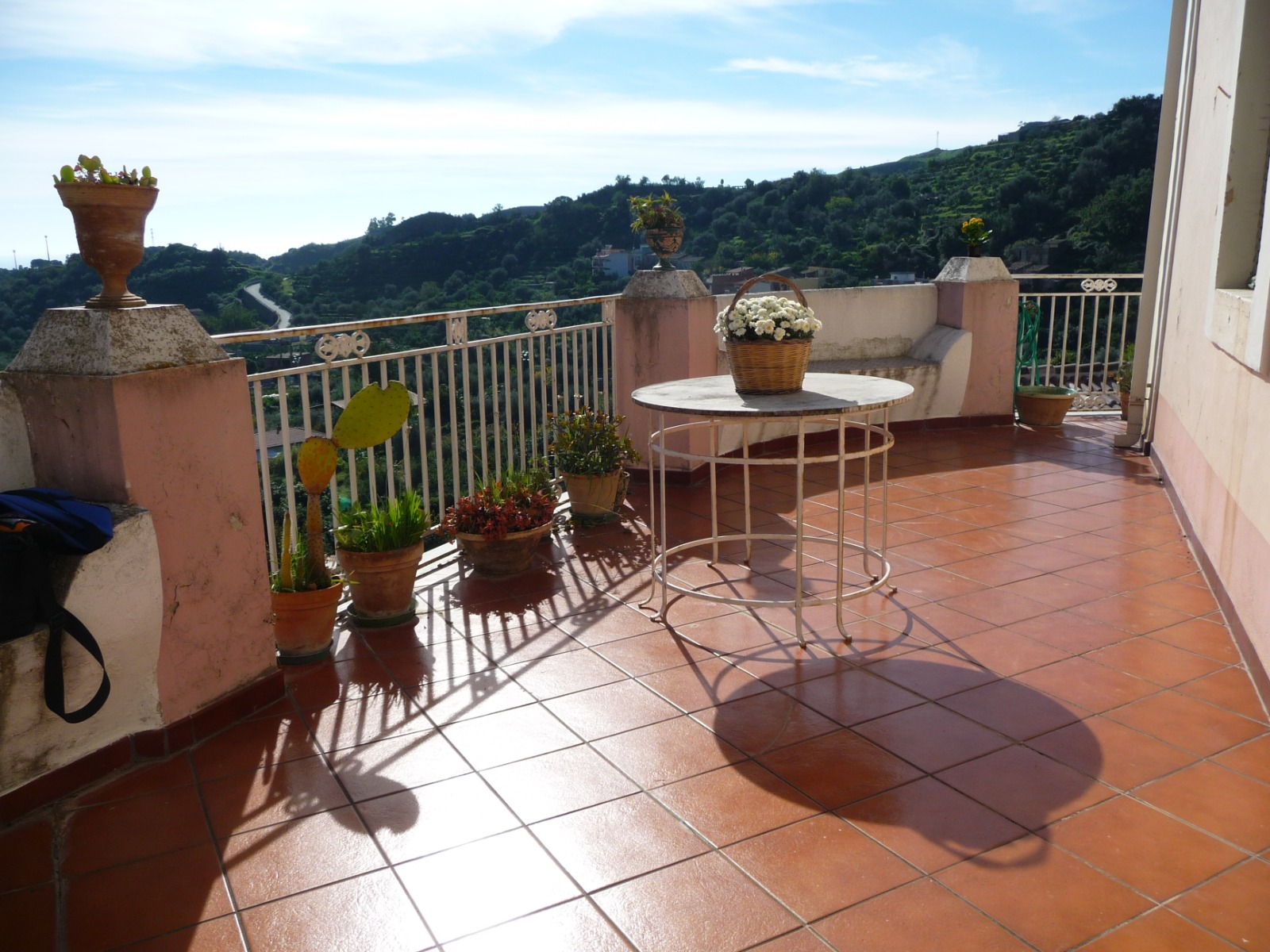 Pretty Detached House in Roccalumera with stunning seaviews (Near Taormina), Sicily (Currently under offer)