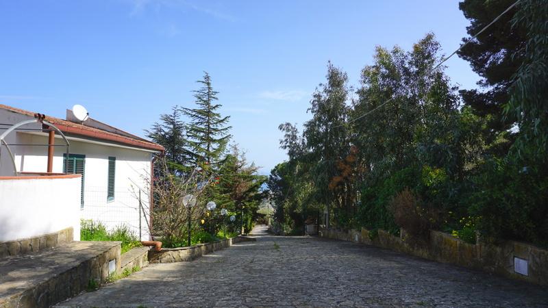 Via Buganvilla (2)
